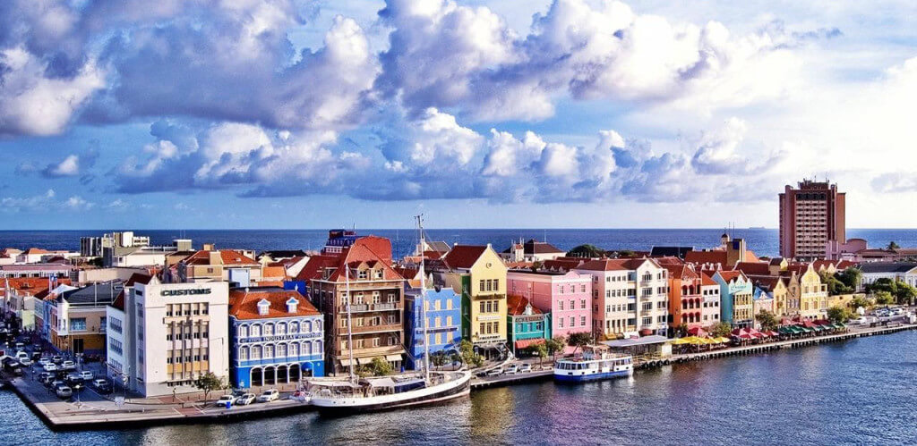 Image attribution: http://www.traveltats.com/fantastic-island-caribbean-curacao/