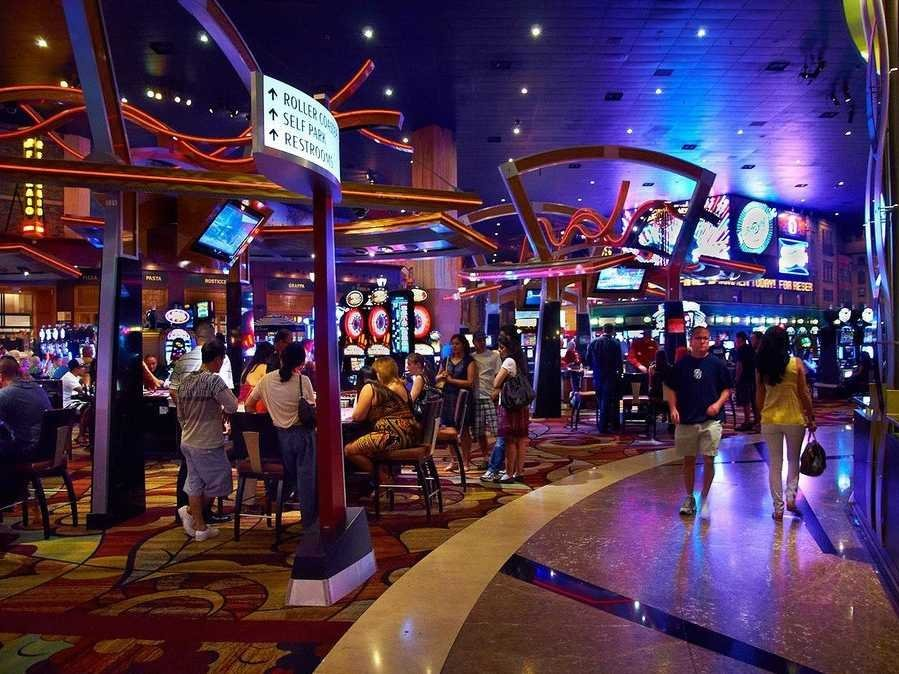 casino-floor-2