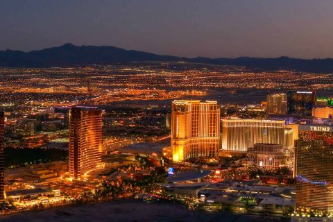 vegas at night 480x320